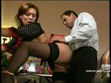 Kelnerka przylapuje na waleniu konia