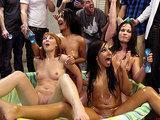 Impreza z pijanymi nastolatkami