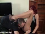 Seksowna Sandra zabawia się z szefem