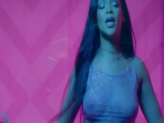 Rihanna  Pour It Up Spezial (Music Video)