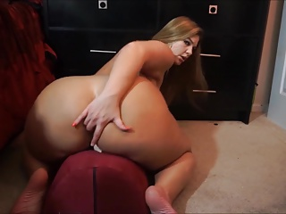 Pawg Wants A Dick In Her