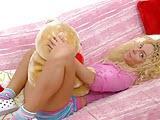 Sex nastolatka ruchana w dziurki