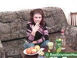 Mlody z pijana sasiadka
