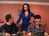Fajna mamuska zaprasza chetnego na sex