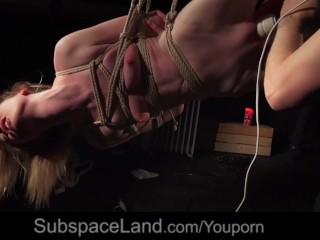 Nebie Noa masturbated in rope art bondage suspension