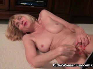 Skinny grandma Bossy Rider strips off and shows her tight pussy