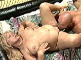 Zboczona staruszka lubi ostre porno