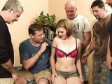 Nastolatka uwielbia dojrzalych facetow