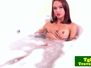 Amateur ladyboy wanking off after bathing