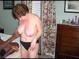 Murzyn spuszcza sie w cipke babci