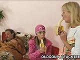 Mamuska nastolatka i stary zgred