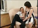Rosyjska mamuska chce pomacac mlodego