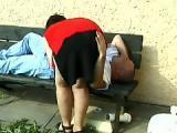 Zboczona staruszka chce z bezdomnym