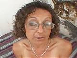 Ciotka rozebrana do naga