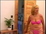 Sex staruszka chce zarwac mlodego do lozka