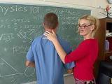 Nauczycielka proponuje anal