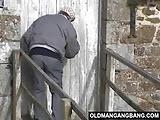 Dziadek dolaczyl do zboczonej parki