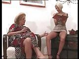 Stara lesba z mloda kurewka