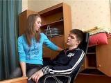 Rosyjska nastolatka proponuje koledze sex