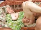 Stara babcia pragnie kutasa