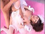 Azjatki bukkake - panna mloda daje wszystkim