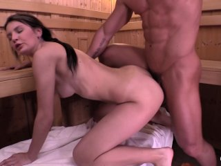 Relaxxxed: Sauna fuck with hot Slovakian babe