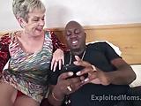 Cycata babcia pragnie sexu z murzynem