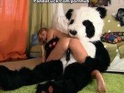 Panda odwiedza kolejne nastolatki
