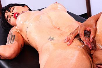 Erotyczny masaz z azjatka