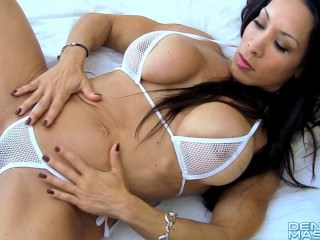 Denise Masino - Home Alone - Female Bodybuilder
