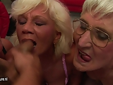 Dwie staruszki napalone na penisa