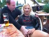 Sex z amatorska dziwka w miejscach publicznych