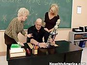 Dwie nauczycielki z profesorkiem