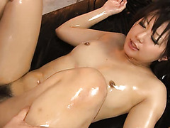 Oily fuck session is what makes this exotic hoe cum faster