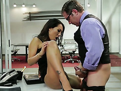 Bodaciously sexy Asian babe Asa Akira gets her pussy eaten out nicely