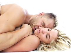 This blonde is more than happy to be an obedient fuckdoll for Nacho Vidal