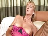 Sex dojrzala w ponczochach