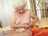Staruszka ma pragnienie na orgazm