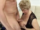 Porno babcia wyszykowana na ruchanie