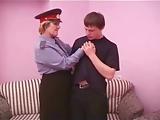 Mama kolegi jest policjantka