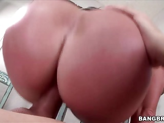 Big round booty Nikki Delano loves big cock;big dick