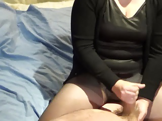 Slowmotion handjob