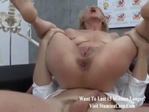 Granny fucked doki in gyno exam