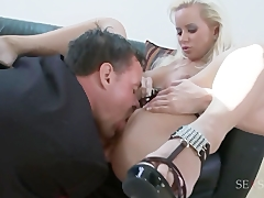 Guy receives e-mail then fucks babe Pornstar and Anal Videos