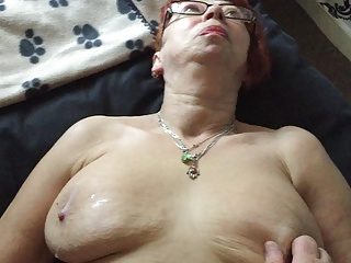 MATURE MANCHESTER WIFE LUBES UP ( LIQUID SILK )