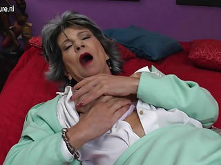 Old slut granny fucks her ass and pussy with fingers