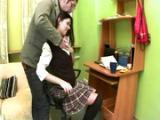 Szef dobiera sie do sekretarki