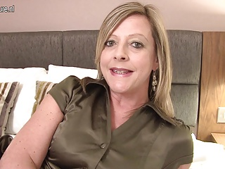 British mom Lou hungry for a good fuck