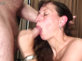 Mature mother with big hunger for sex