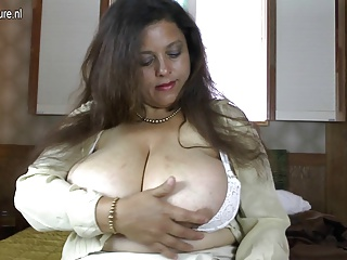 Amateur latina MOM with GIANT tits